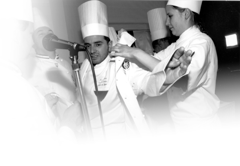 Le chef Joseph Viola devient Meilleur Ouvrier de France en 2004