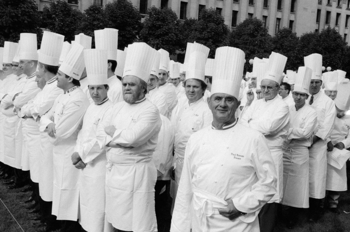Rassemblement des Toques Blanches Lyonnaises Place Antonin Poncet en 1996